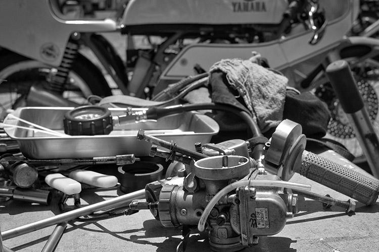 04-AHRMA2014Grattan-7345.Carburetor
